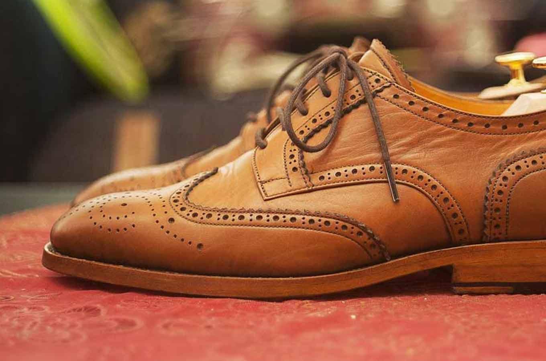 英国ブランドのブローグシューズを見比べて欲しいのはどの革靴か